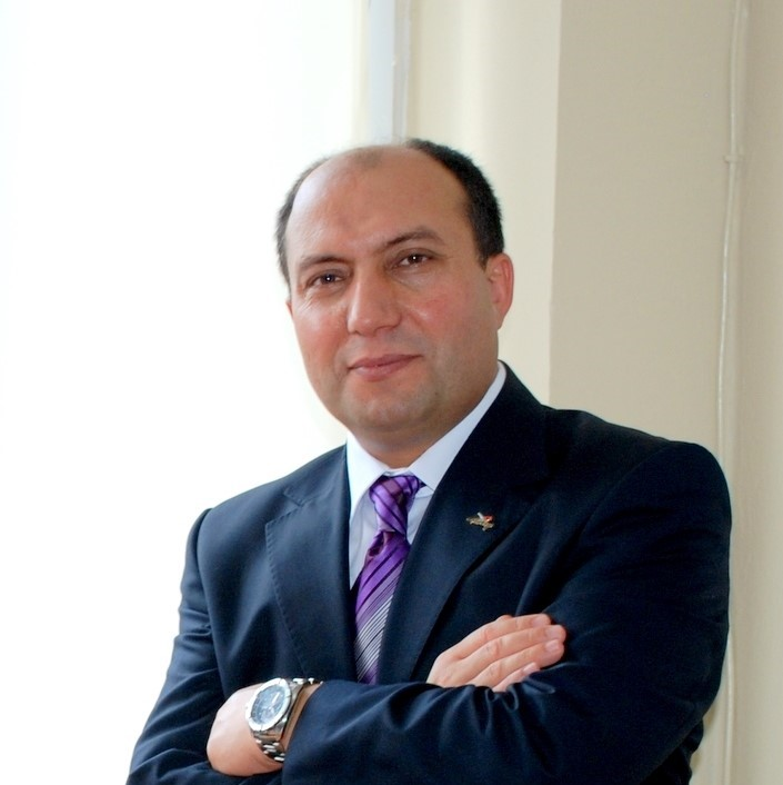 Dr. Cevat Tosun